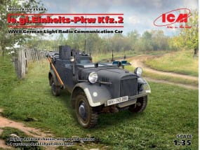 le.gl.Einheits-Pkw KFZ.2,WWII German Light Radio Communication Car / 1:35