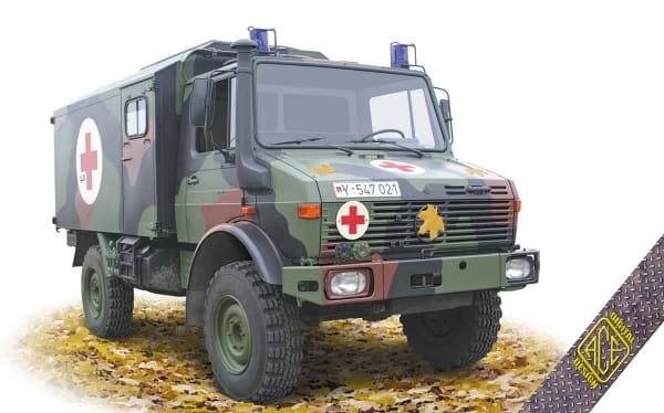 Unimog U1300L 4x4 Krankenwagen Ambulance / 1:72